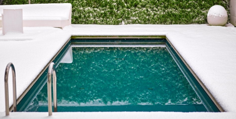 Quand et comment hiverner sa piscine ?